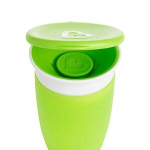 Una de cuatro tapas adaptables a las tazas 360